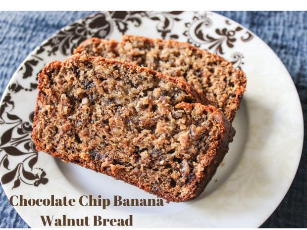 An Unblurred Lady: Pretty Polymath :: Chocolate Chip Banana Walnut Bread